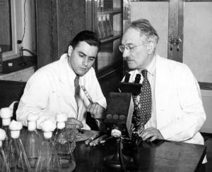 Albert Schatz (L) and Selman Waksman. Copyright Rutgers University.